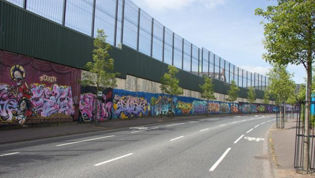 "The 3 mile ""peace"" wall"